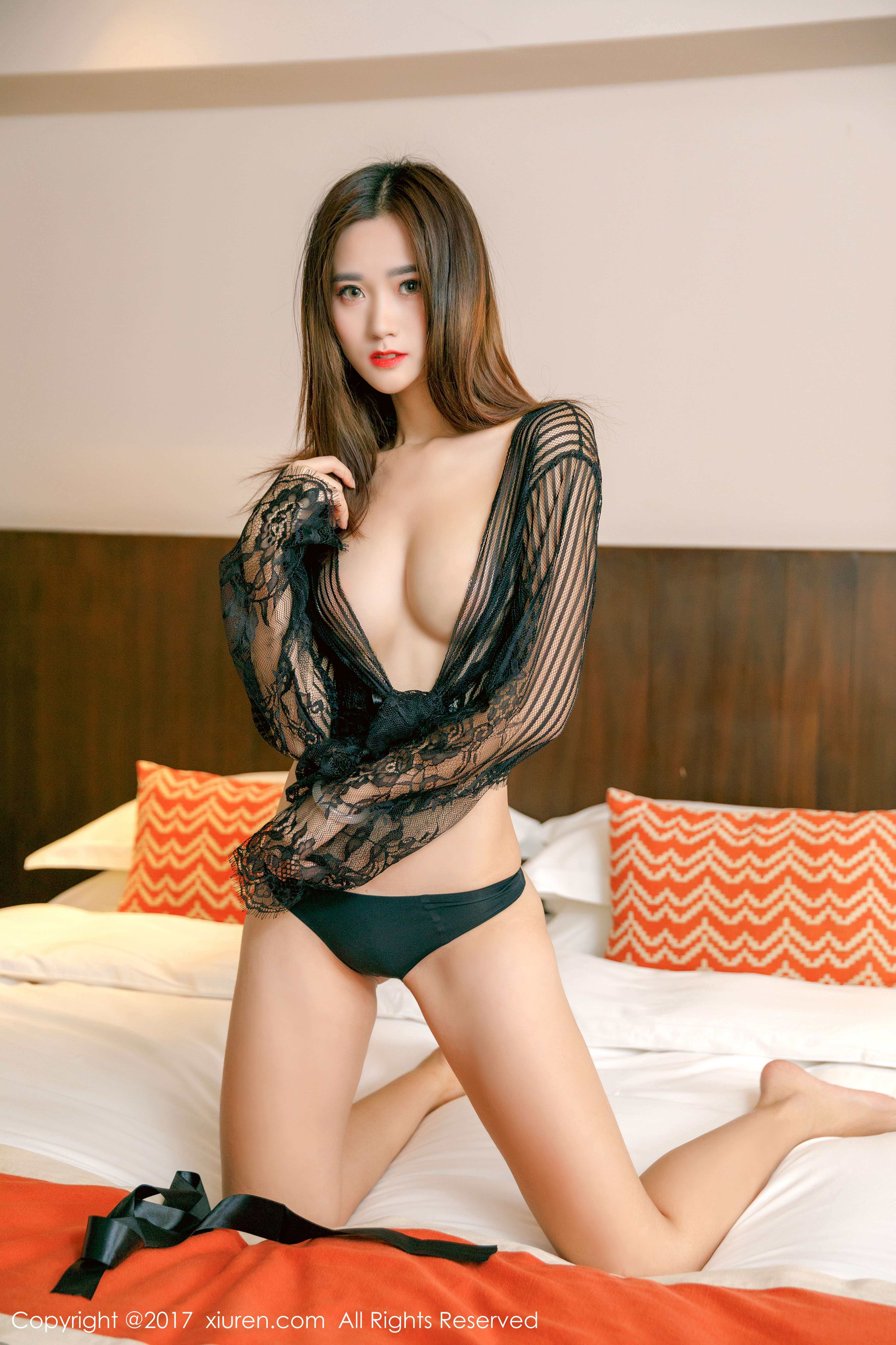 The wonderful performance of sexy and charming Chinese girls