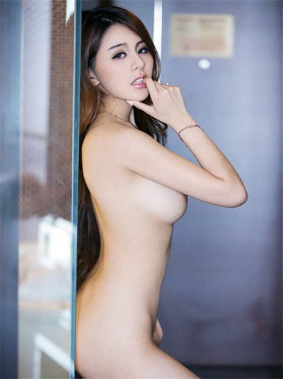Zhao Wei Yi – Attractive Tianjin Model