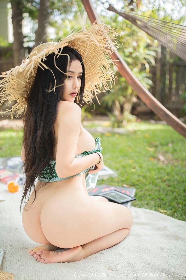 Super sexy asia girls half naked photo appreciation