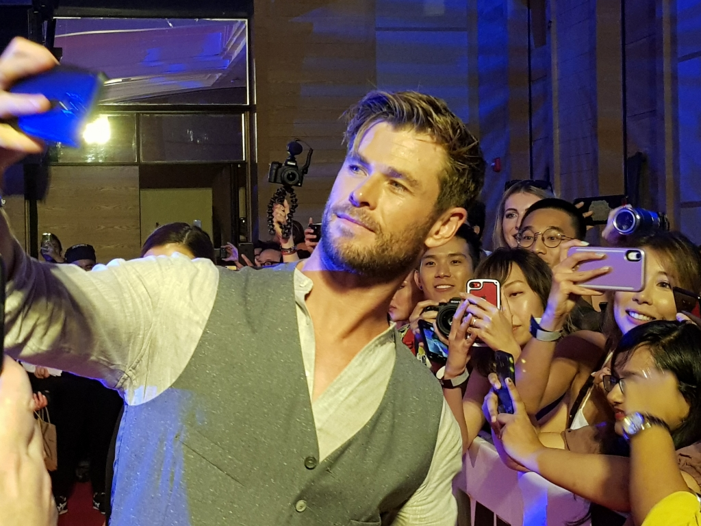 Cerita Chris Hemsworth di Men in Black: International